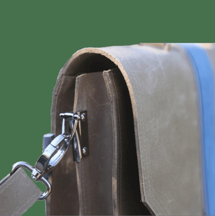 werktas-camel-blauw-zijkant-detail