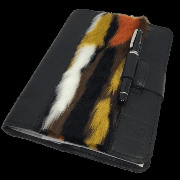 notitieboek-omslag-zwart-bont-voorkant