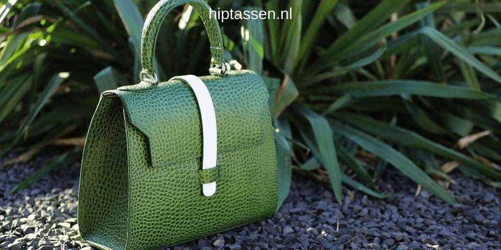 Hip handtas groen op maat gemaakt