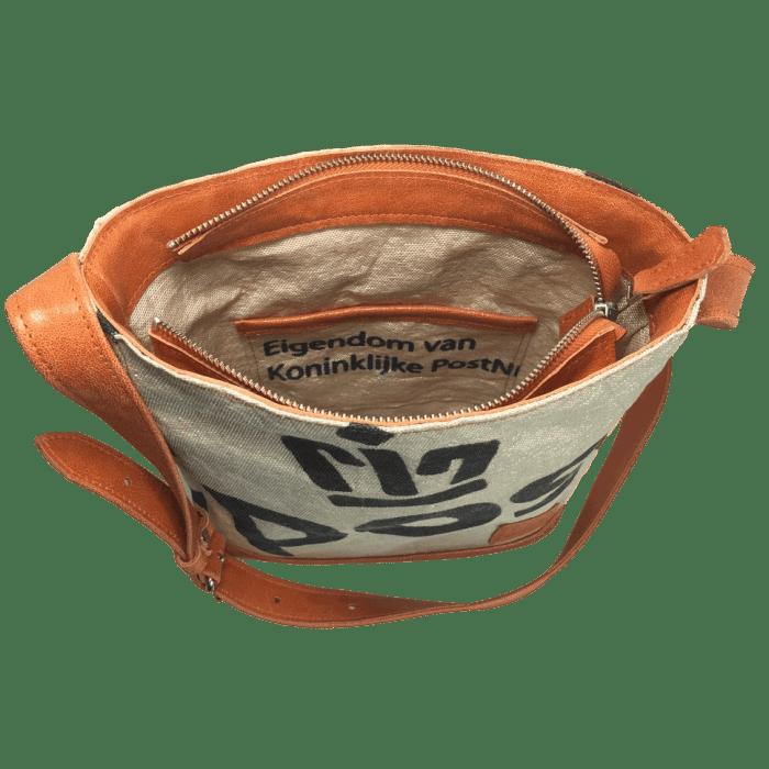 postzak-handtas-postnl-oranje-leer-binnenkant-hiptassen-opmaat-gemaakt