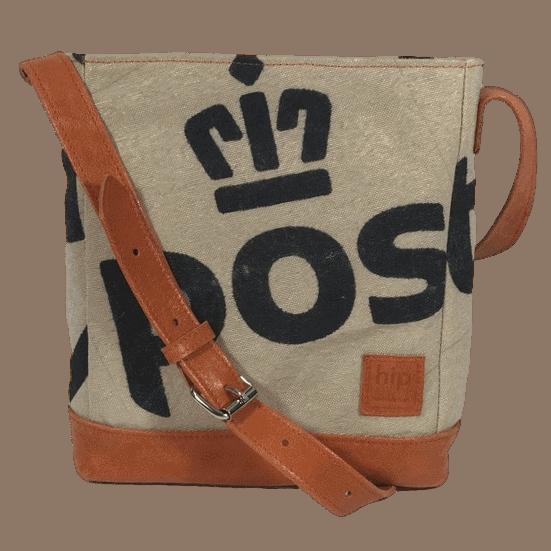 postzak-handtas-postnl-oranje-leer-voorkant-hiptassen-opmaat-gemaakt