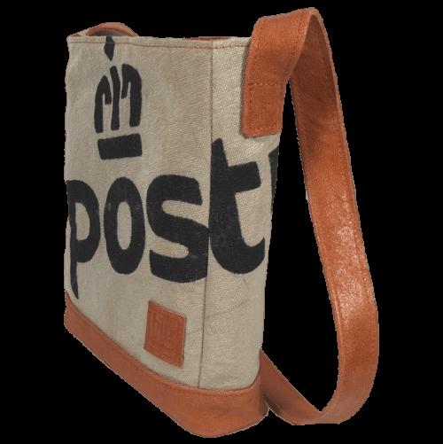 postzak-handtas-postnl-oranje-leer-zijkant-voorkant-hiptassen-opmaat-gemaakt