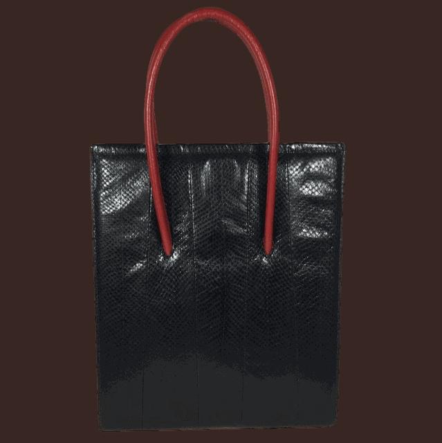 zwart-zalmleer-handtas-rood-voorkant-hiptassen-opmaatgemaakt
