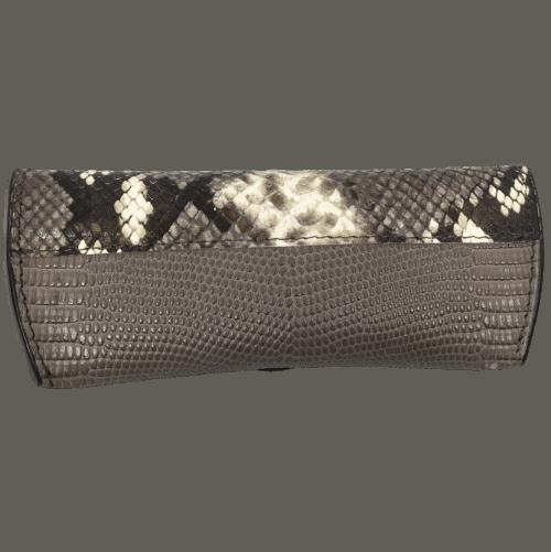 brillenkoker-lizardprint-taupe-achterkant-handgemaakt-opmaat-hiptassen